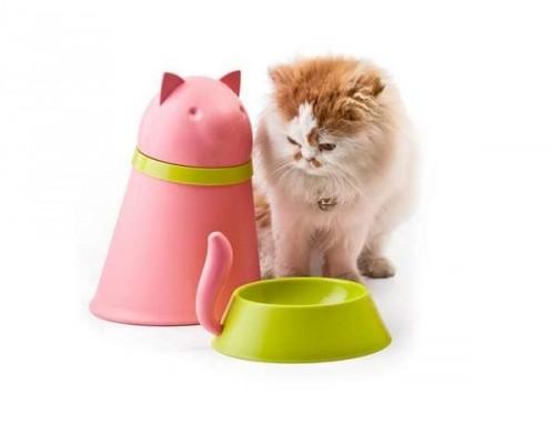 notizie animali, notizie divertenti, notizie strane, notizie commoventi, cani, gatti, barattoli a forma di cane e gatto, ciotole per cibo per cani e gatti
