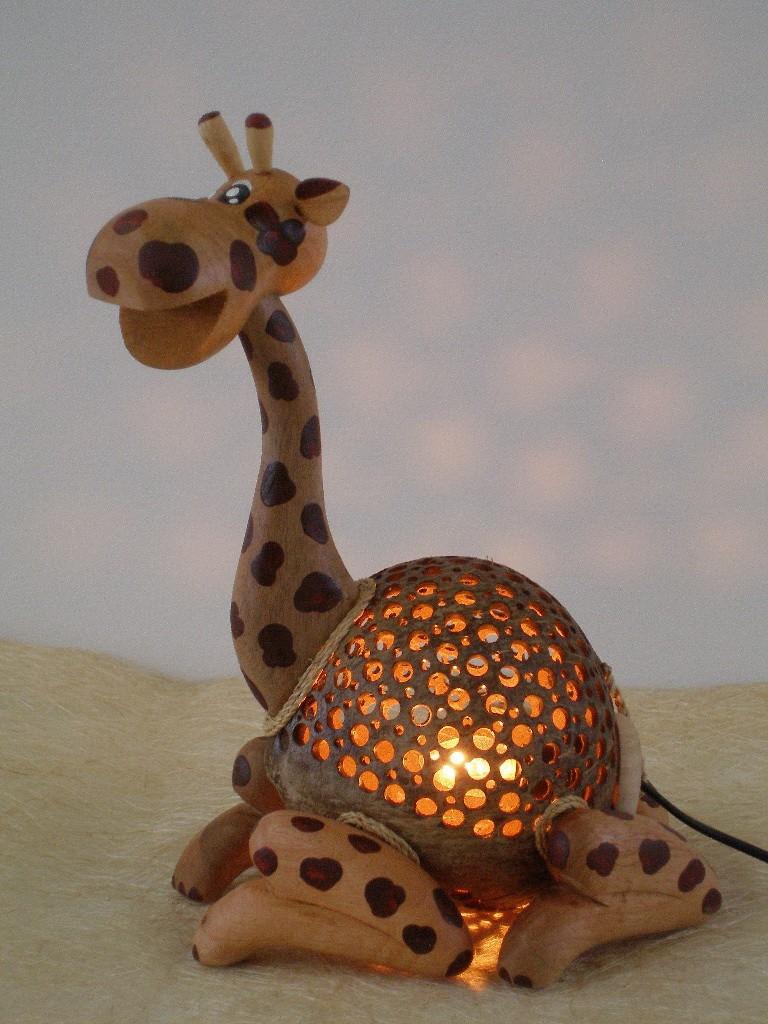 Lampade di cocco a forma di animali vanity farm for Lampade con legno